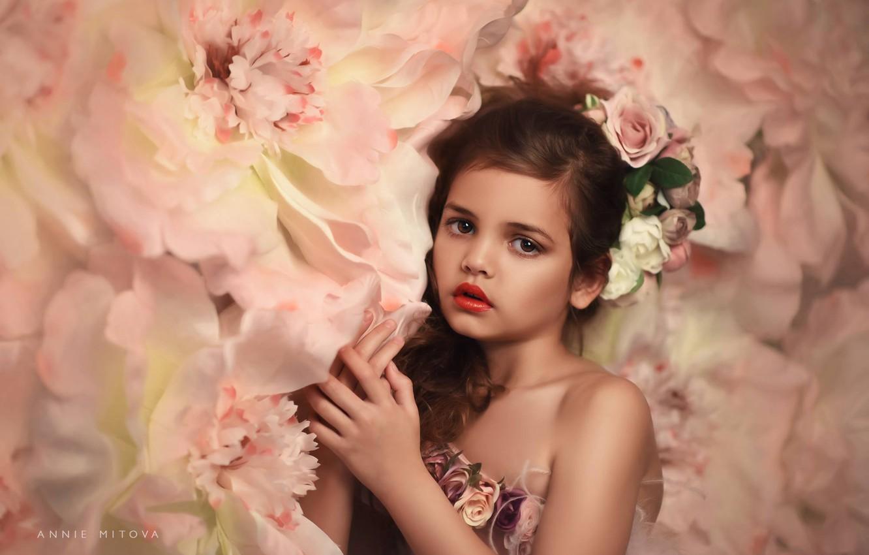 Photo wallpaper look, flowers, hands, girl, wreath, Annie Mitova
