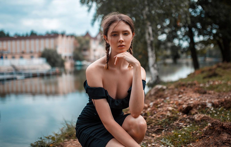 Photo wallpaper girl, cleavage, river, dress, legs, photo, photographer, park, model, bokeh, lips, face, brunette, portrait, mouth, …