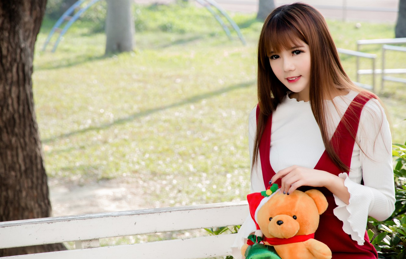 Photo wallpaper girl, joy, face, toy, Teddy bear
