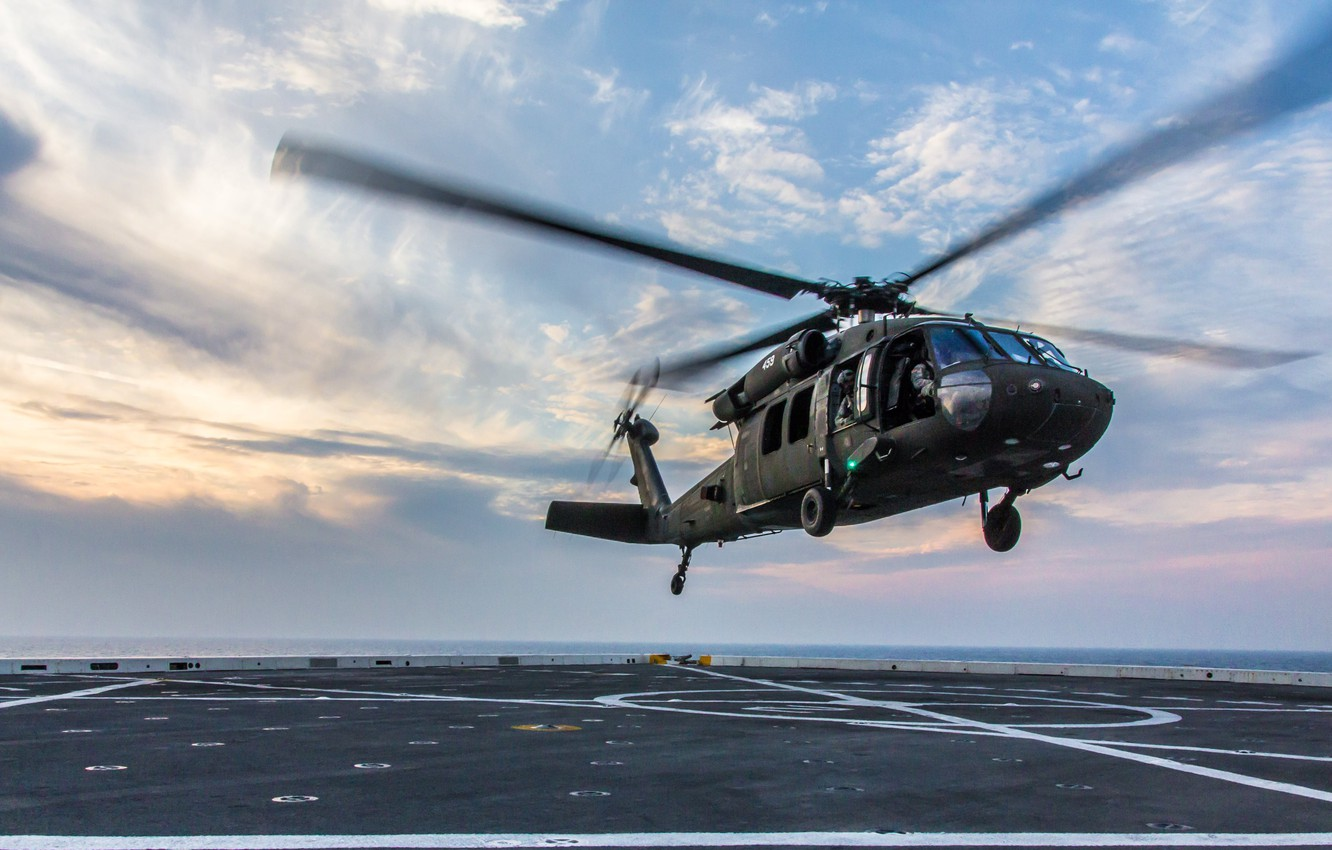 Wallpaper Helicopter Uh 60 Landing On The Deck Blackhawk Images