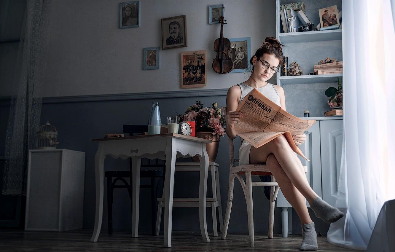 Photo wallpaper girl, retro, room, violin, USSR, newspaper, Stalin, portraits, True