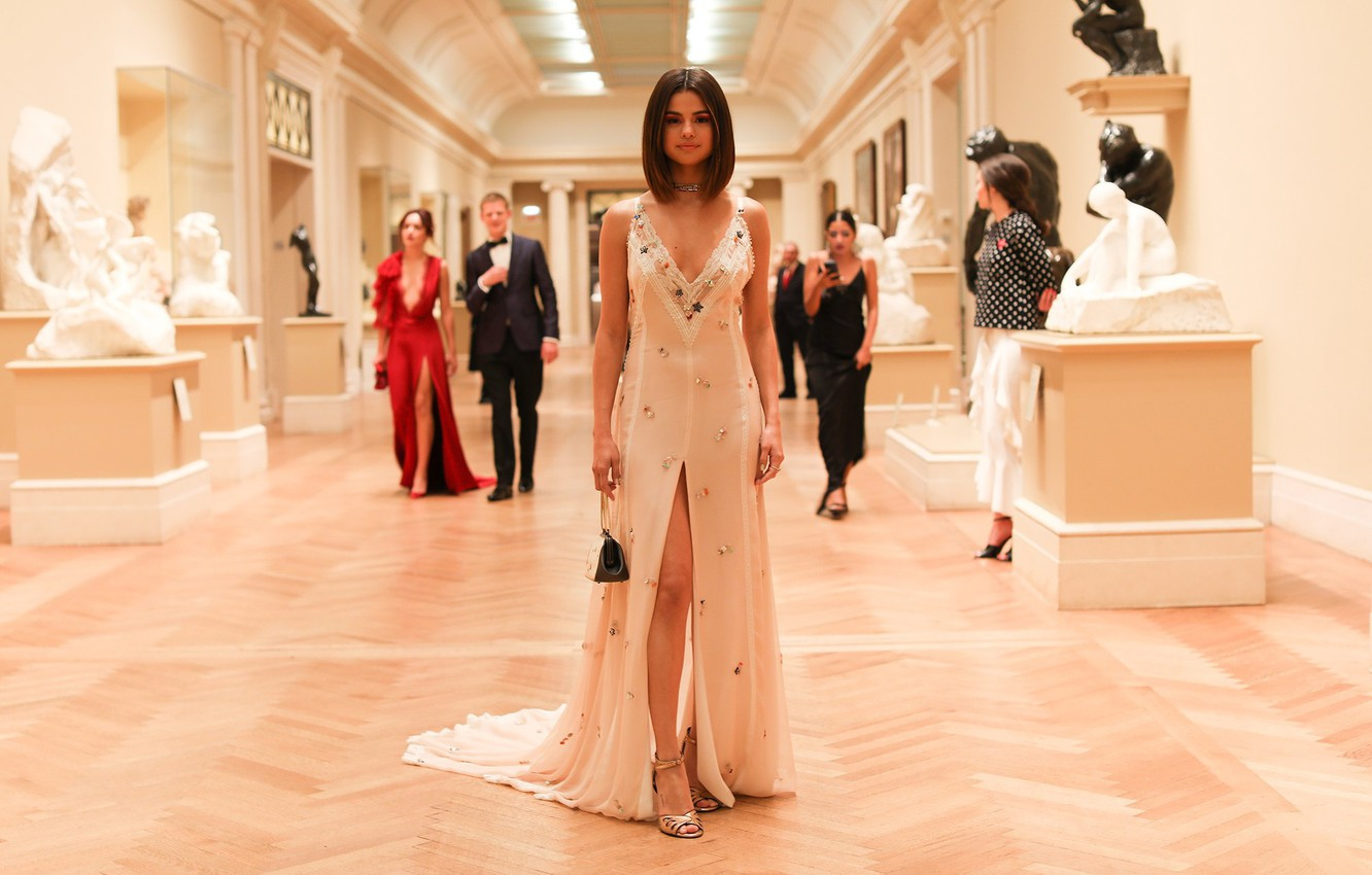 Photo wallpaper haircut, celebrity, long dress, Selena Gomez