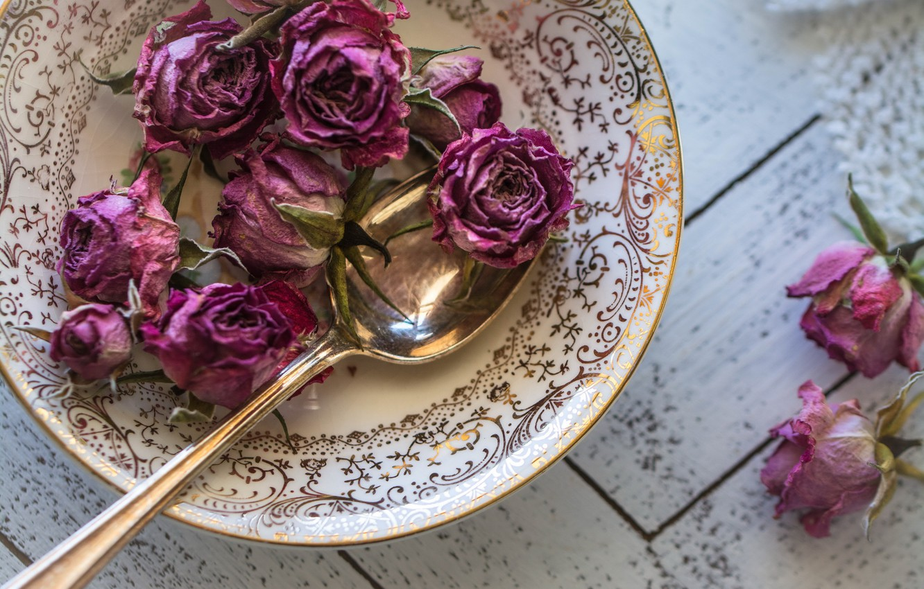 Photo wallpaper roses, plate, spoon