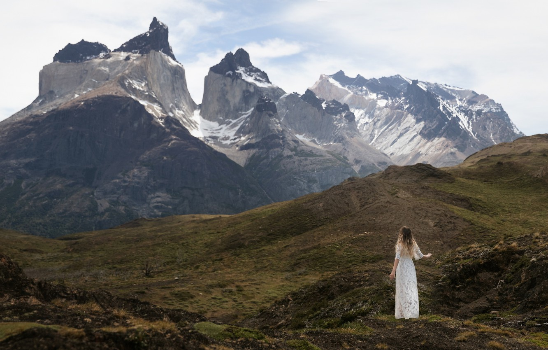 Photo wallpaper girl, mountains, white dress