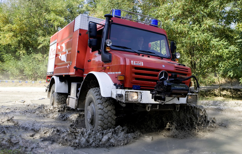 Photo wallpaper Mercedes-Benz, dirt, truck, Unimog, U5000