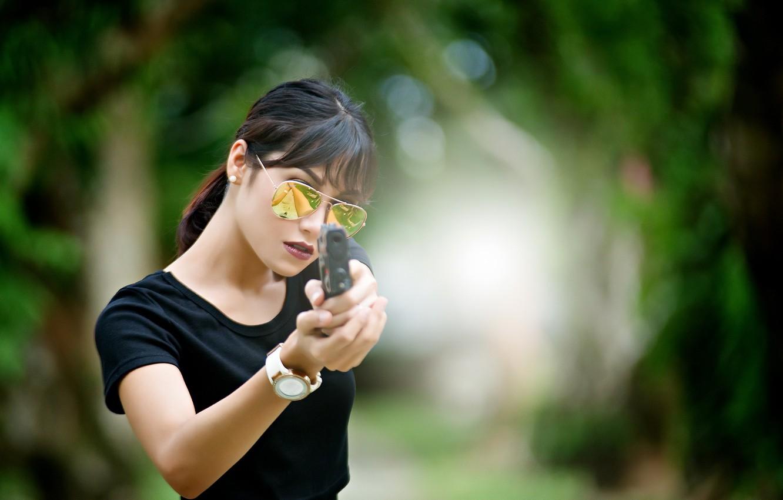 Photo wallpaper girl, gun, weapons