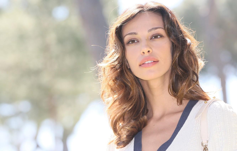 Photo wallpaper lips, brown hair, Madalina Diana Ghenea, brown eyes