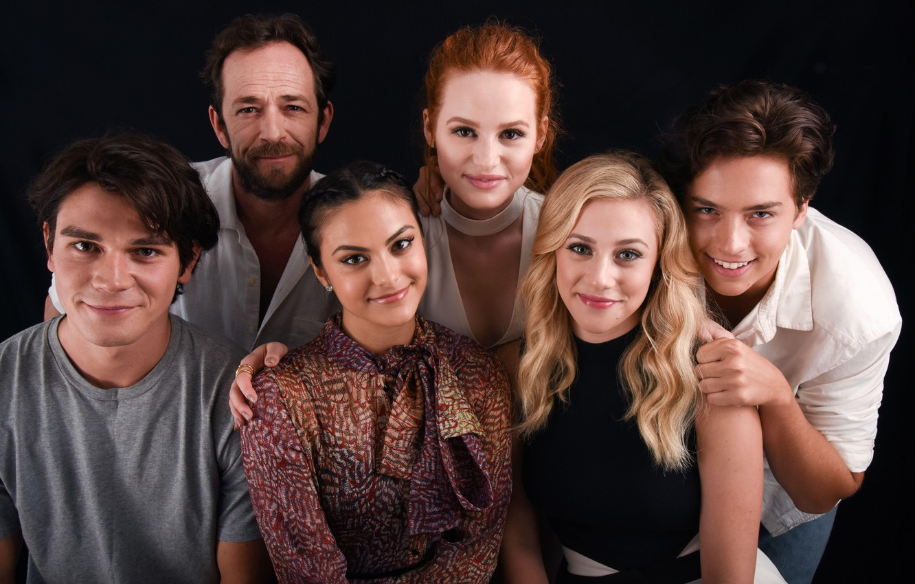 Wallpaper Riverdale Veronica Lodge Camila Mendes Betty Cooper Cole Sprouse Lili Reinhart Riverdale Cheryl Blossom Madelaine Petsch Archie Andrews Jughead Jones K J Apa Luke Perry Fred Andrews Images For Desktop Section Filmy