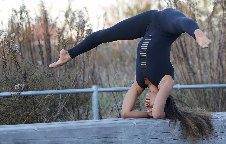Photo wallpaper girl, pose, feet, yoga, exercise