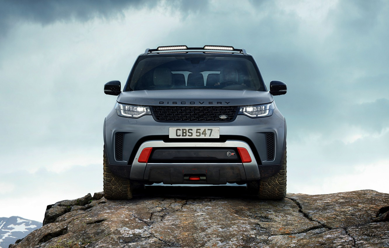 Photo wallpaper the sky, clouds, rock, grey, SUV, Land Rover, Discovery, 4x4, 2017, V8, SVX, 525 HP