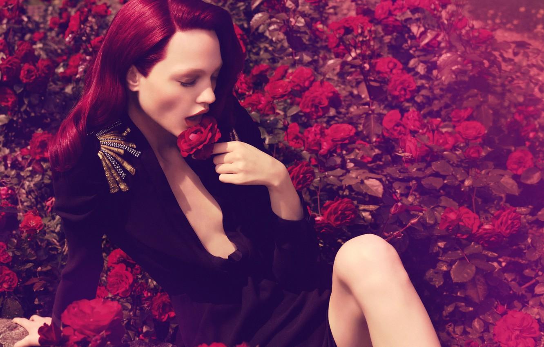 Photo wallpaper roses, red hair, Sasha Pivovarova, Russian supermodel