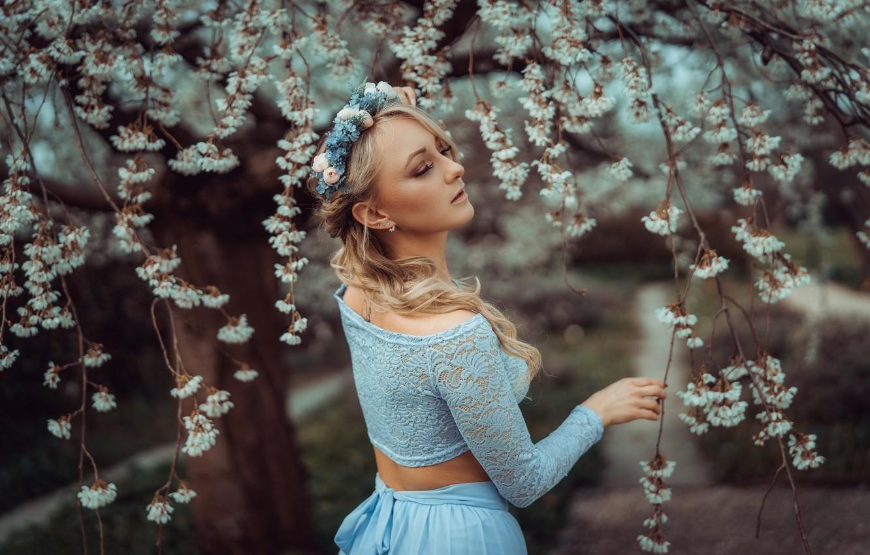 Photo wallpaper girl, branches, cherry, pose, tree, mood, spring, flowering, wreath, flowers, Monika Metzner, Andreas-Joachim Lins