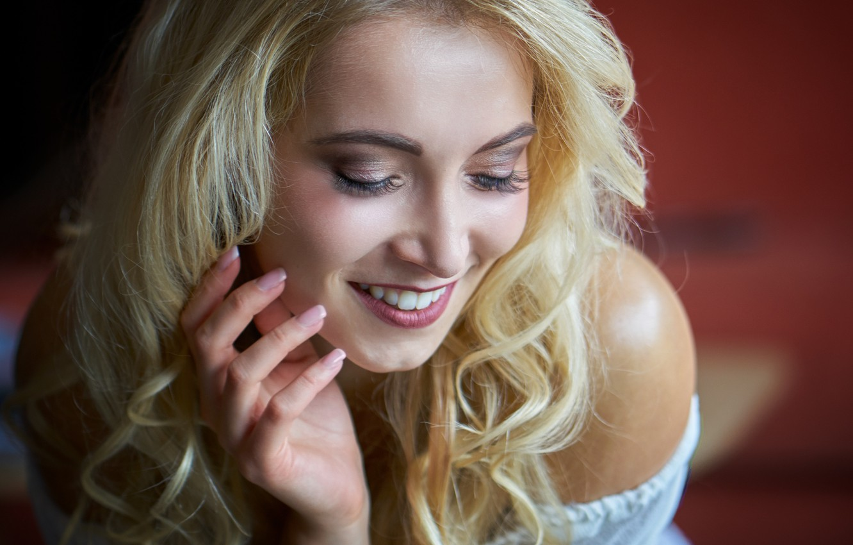 Photo wallpaper girl, face, smile