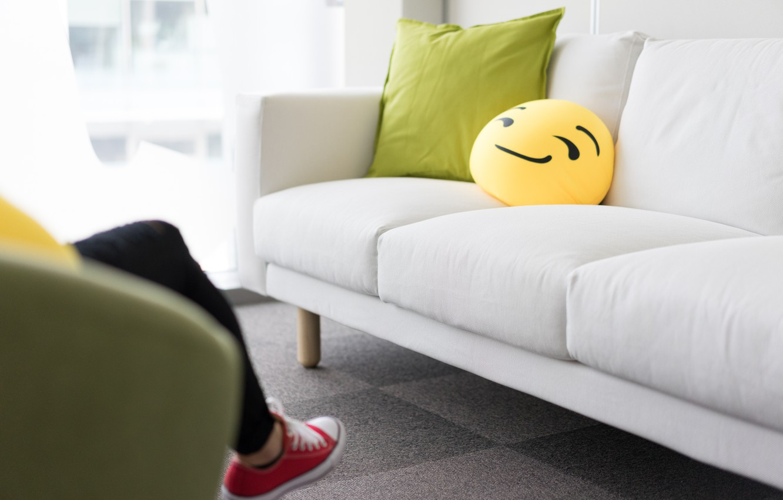 Photo wallpaper sofa, pillow, smiley, grin