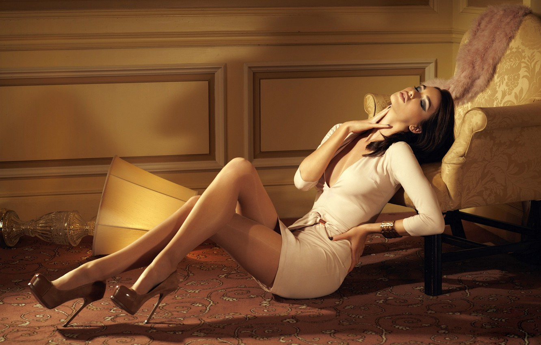Photo wallpaper girl, room, passion, model, figure, dress, the temptation, simone kerr