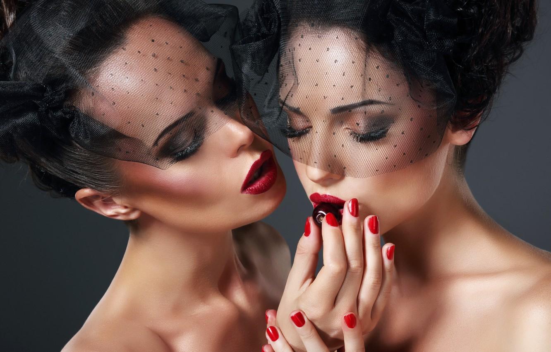 Photo wallpaper models, make-up, Plums, nibble