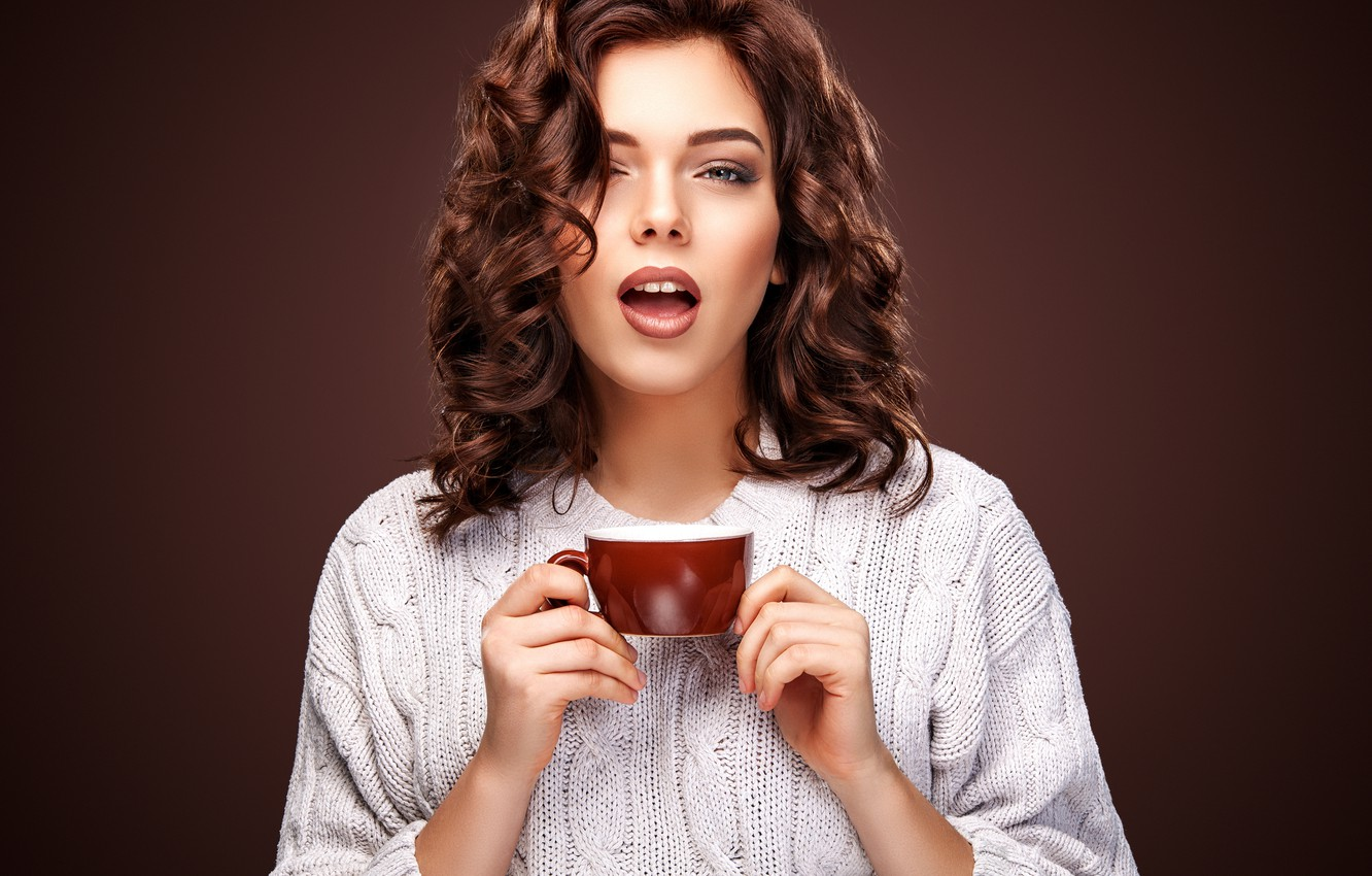 Photo wallpaper look, girl, hairstyle, Cup, wavy hair