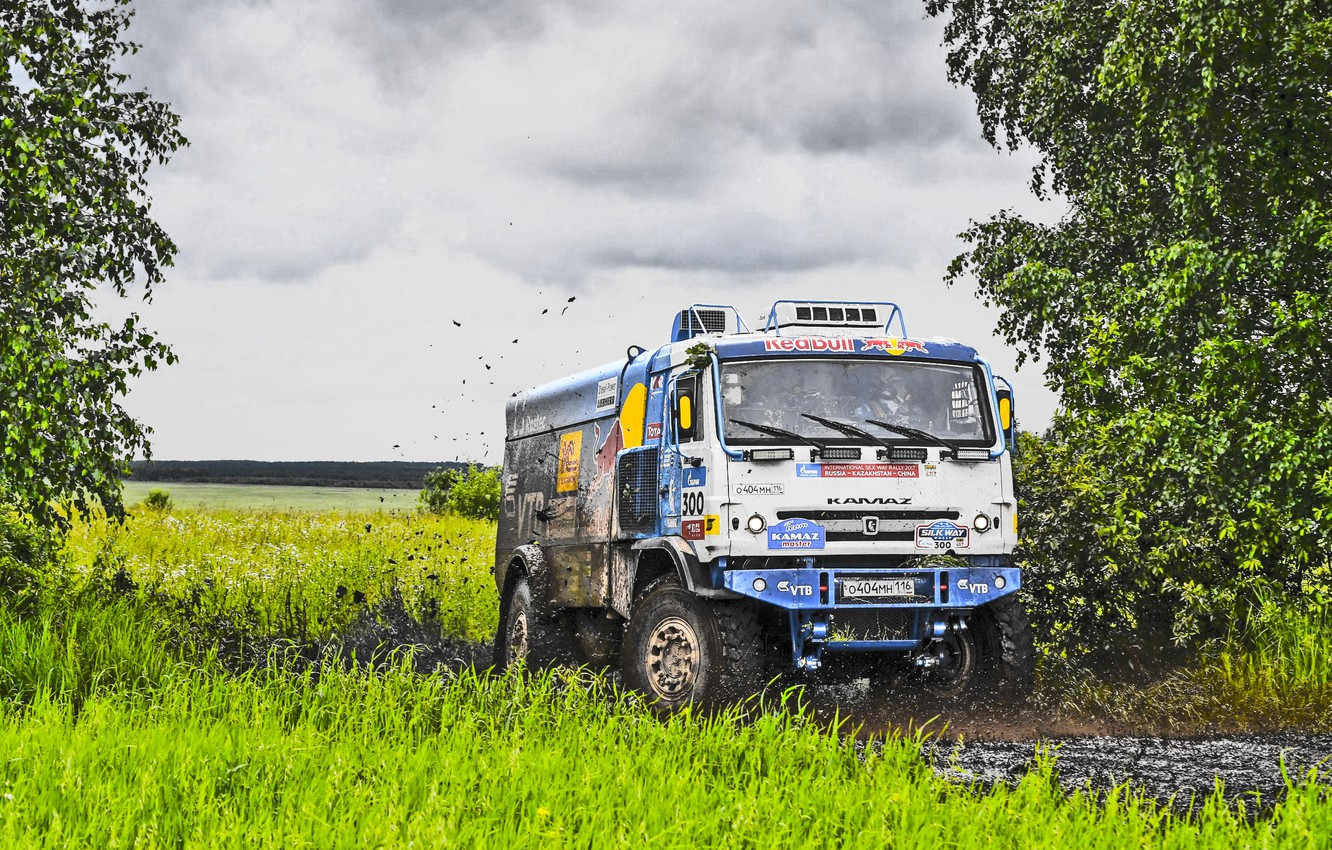 Photo wallpaper Grass, Sport, Speed, Clouds, Race, Master, Dirt, Squirt, Russia, Red Bull, 300, Kamaz, Rally, Rally, …