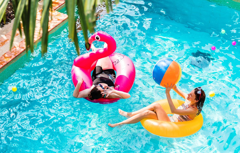 Photo wallpaper water, girls, stay, pool, Flamingo