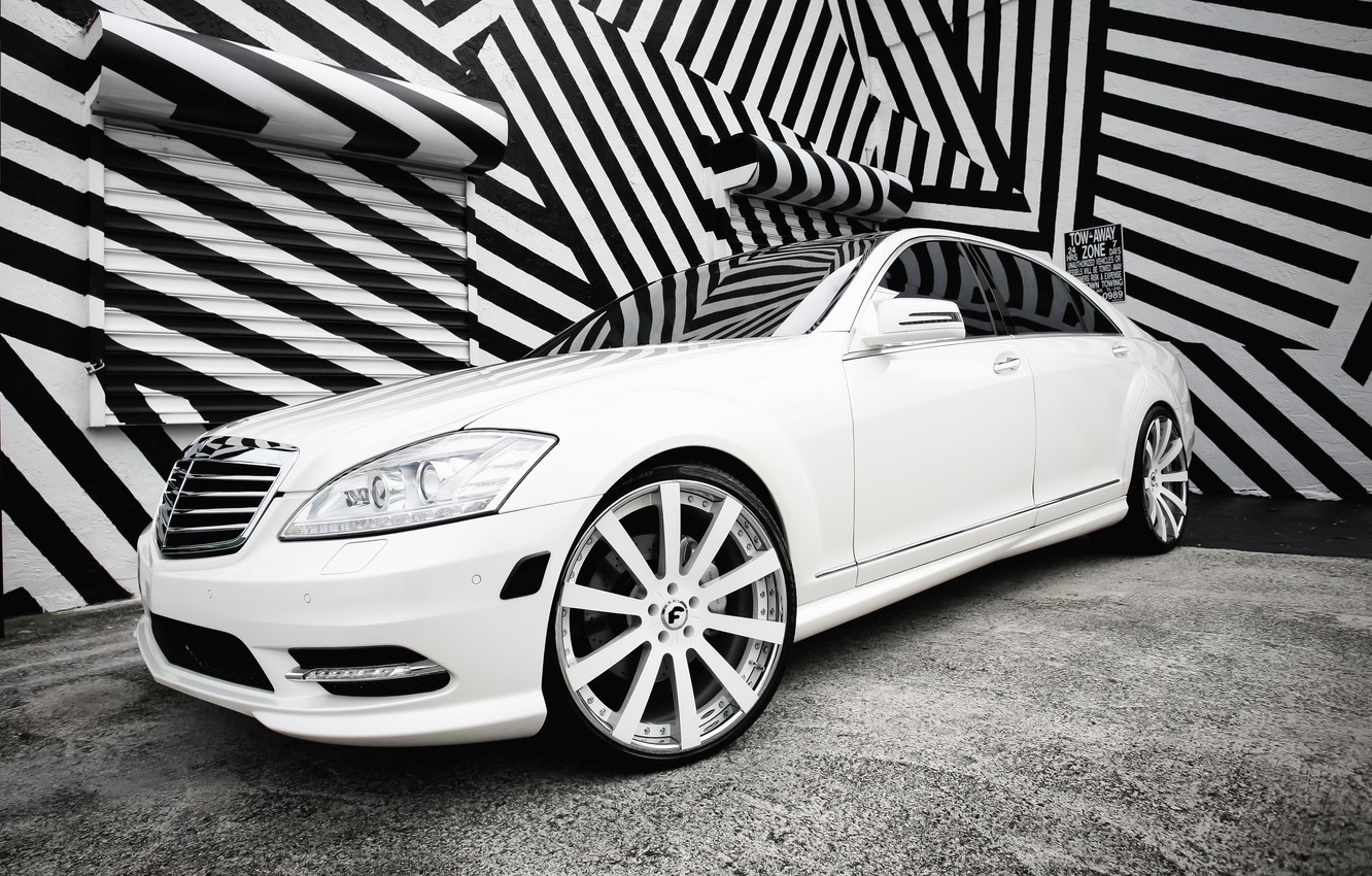Photo wallpaper lights, Mercedes, with, color, S550, lowered, smoked, matched, Forgiato wheels