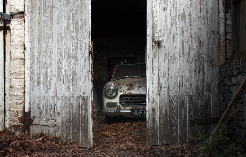 Photo wallpaper machine, garage, the door