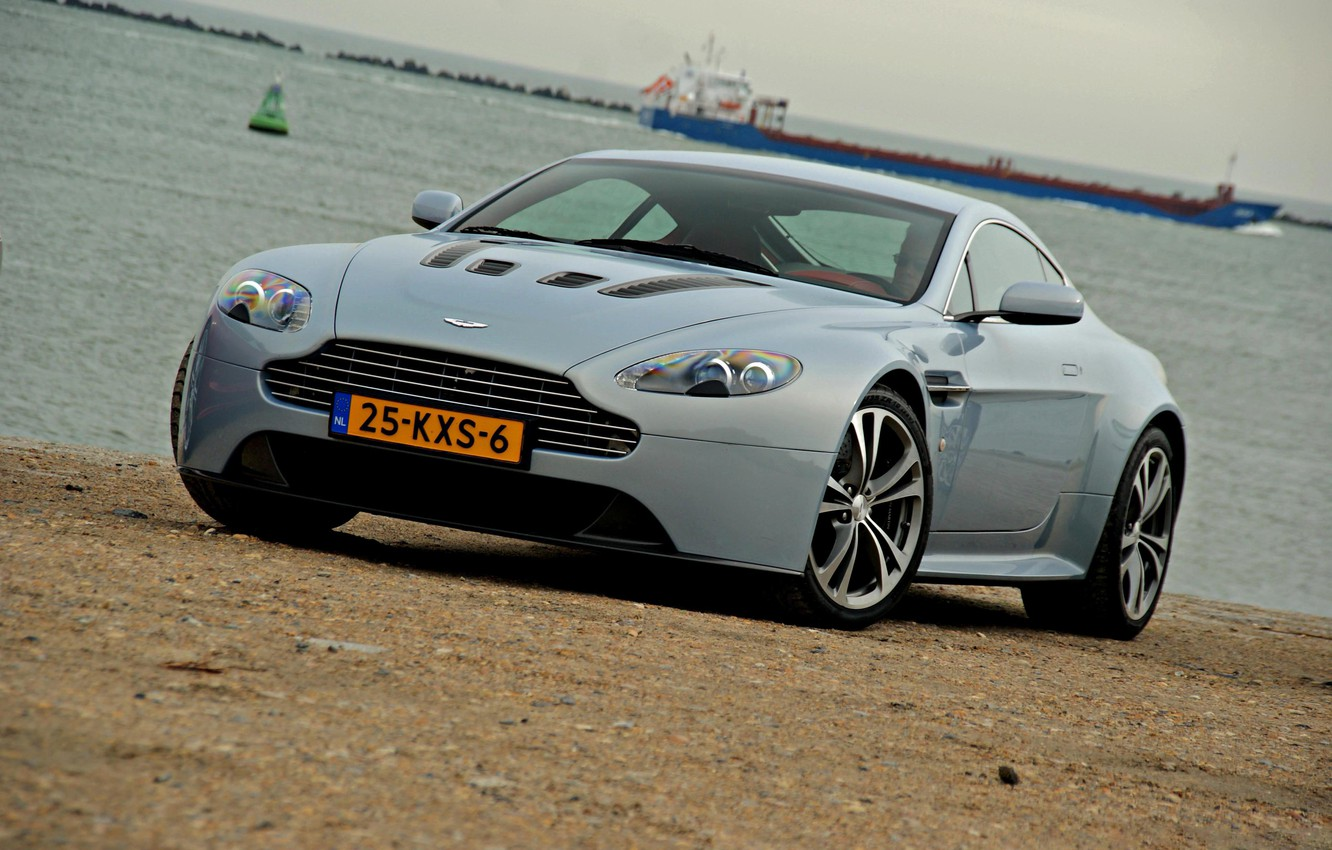 Photo wallpaper aston martin, vantage, sea, v12