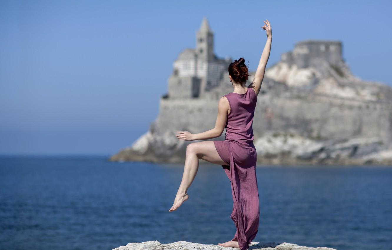 Photo wallpaper sea, girl, pose, mood, dance, dress