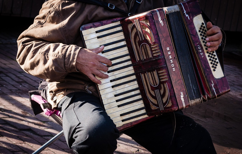 Photo wallpaper street, accordion, Streetmusic