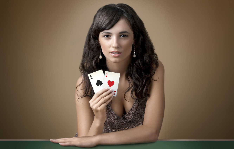 Скачать играть в карты девушки игры покер не онлайн