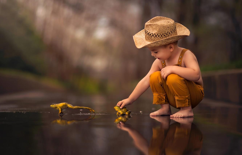 Photo wallpaper hat, boy, frogs