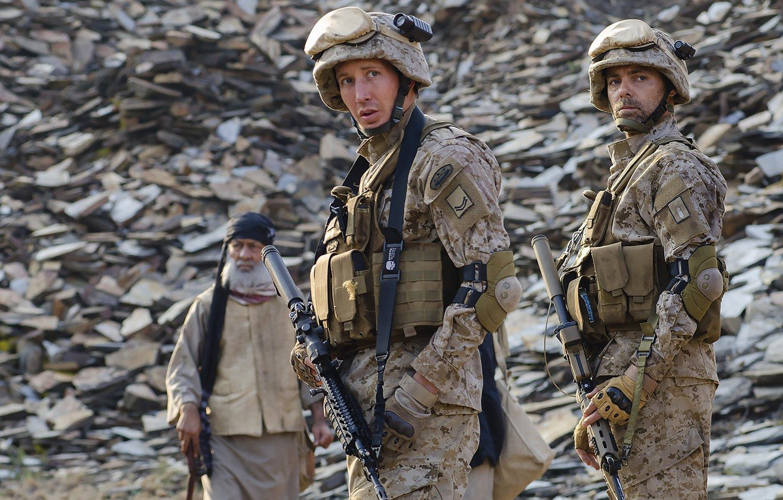 Photo wallpaper cinema, gun, soldier, weapon, man, movie, M4A1, film, rifle, uniform, seifuku, Alien Outpost
