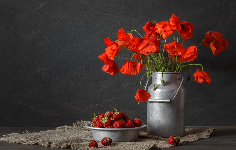 Photo wallpaper red, Maki, strawberry, matting