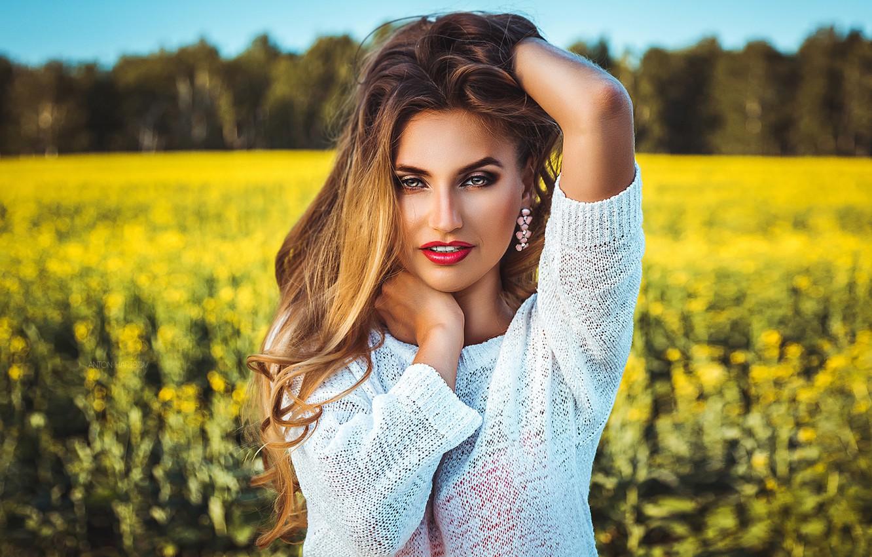 Photo wallpaper field, look, face, pose, model, hair, portrait, hands, makeup, bokeh, Anton Kharisov, Svetlana Firsova