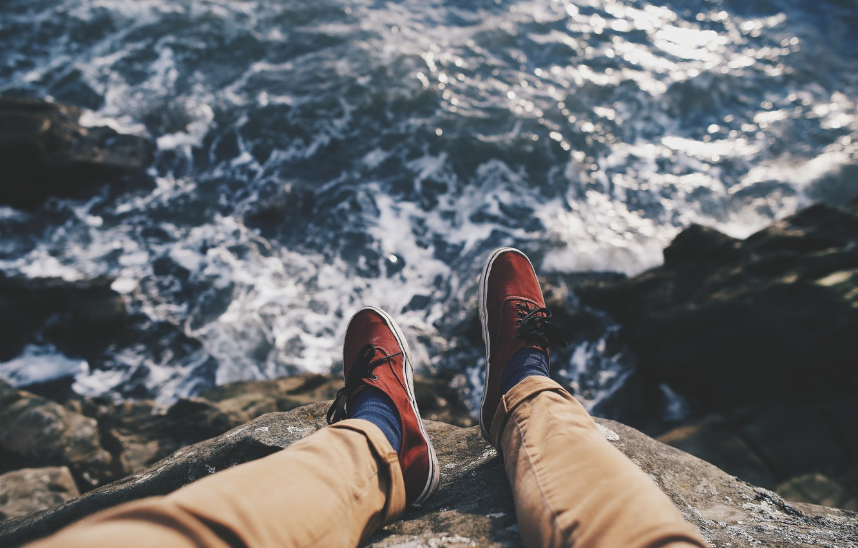 Photo wallpaper sea, feet, sneakers, pants