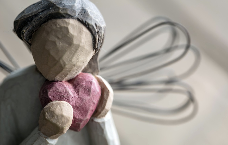 Photo wallpaper macro, heart, figurine