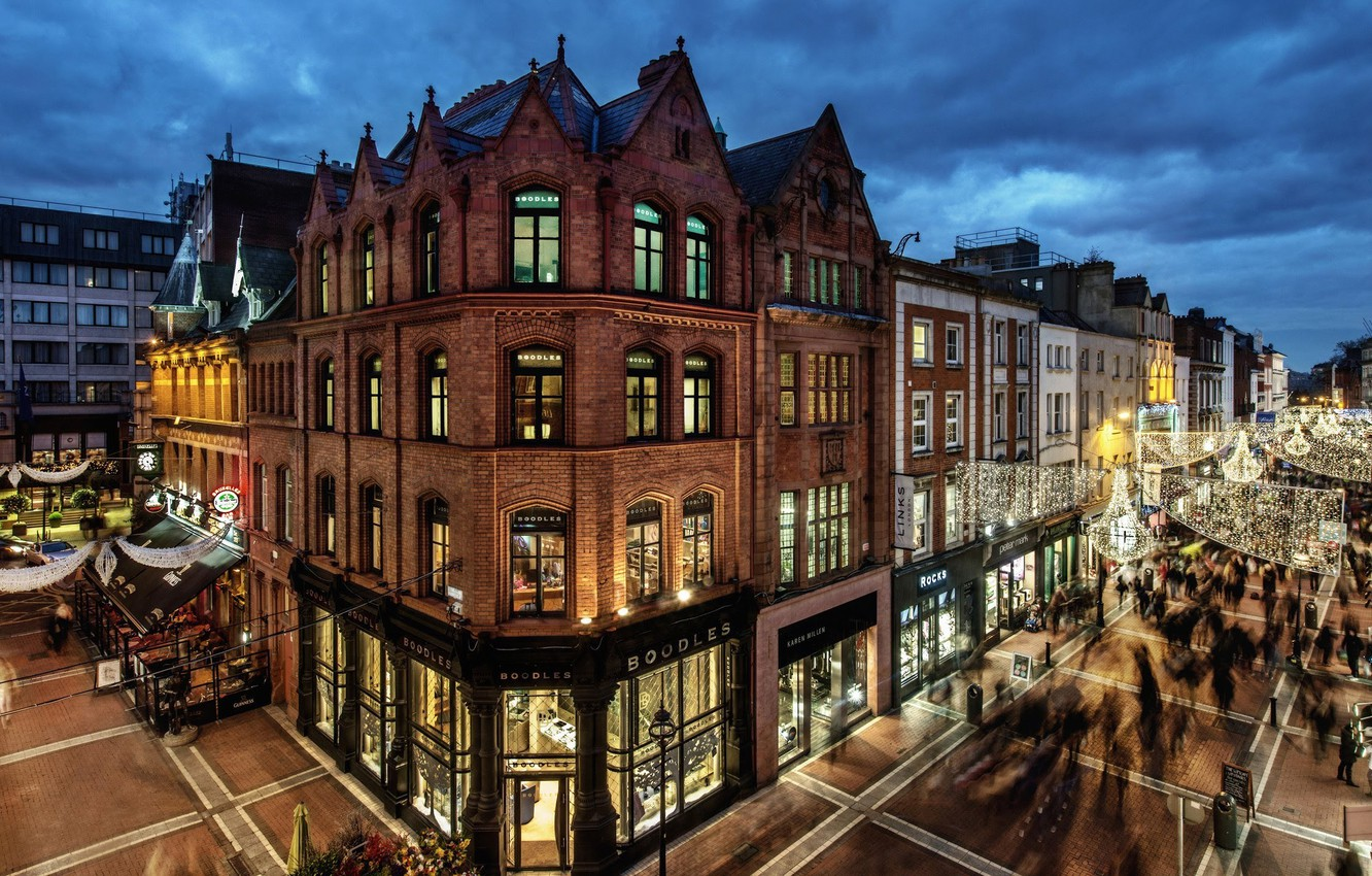 Photo wallpaper city, lights, twilight, evening, people, houses, Ireland, streets, buildings, Dublin, shops, palaces