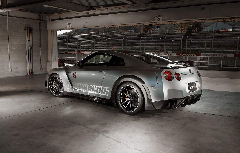 Photo wallpaper Wheel, Machine, GTR, Nissan, Mirror, Drives, Racing, Sport, The room, Silver