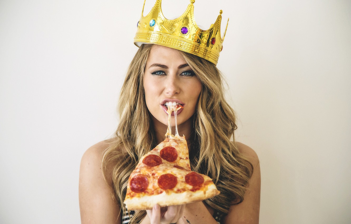 Photo wallpaper look, blonde, Crown, Pizza, Carter Cruise
