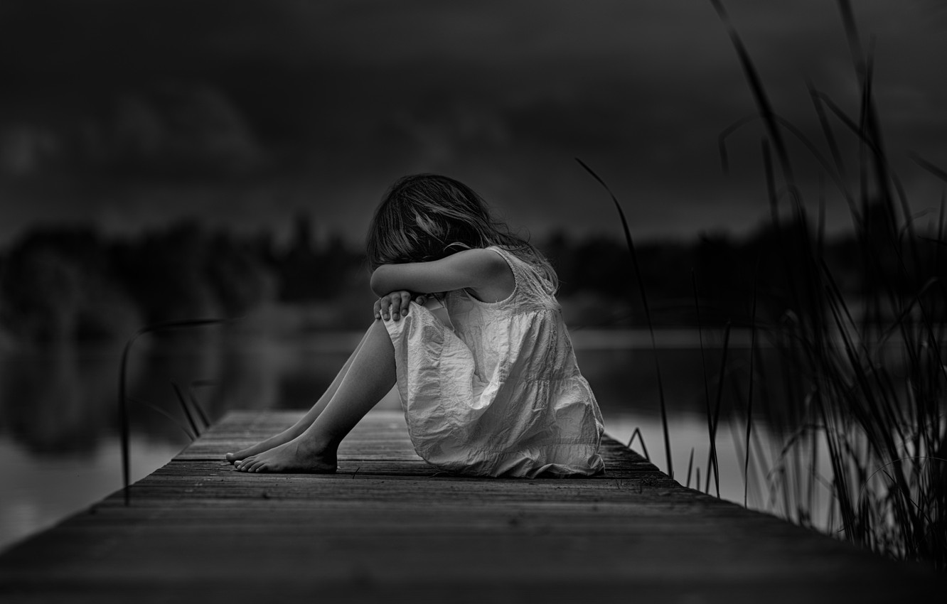 Photo wallpaper loneliness b w girl