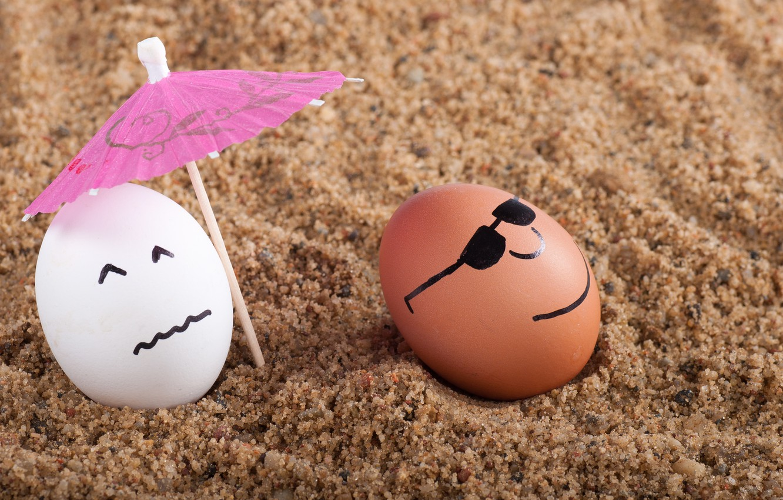 Photo wallpaper sand, beach, umbrella, mood, eggs, a couple, sunlight, light and shadow, picture macro