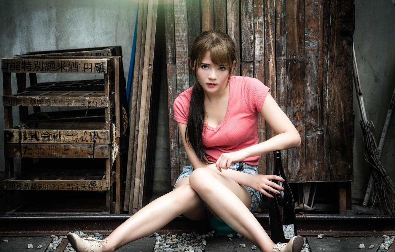 Photo wallpaper girl, shorts, bottle, Asian, chingcho Chang