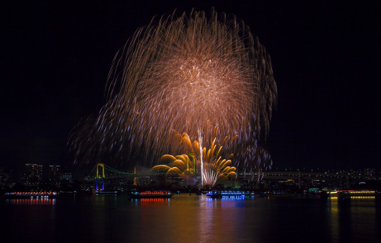 Photo wallpaper lights, holiday, the building, beauty, panorama, Tokyo, Japan, Rainbow Bridge, fireworks