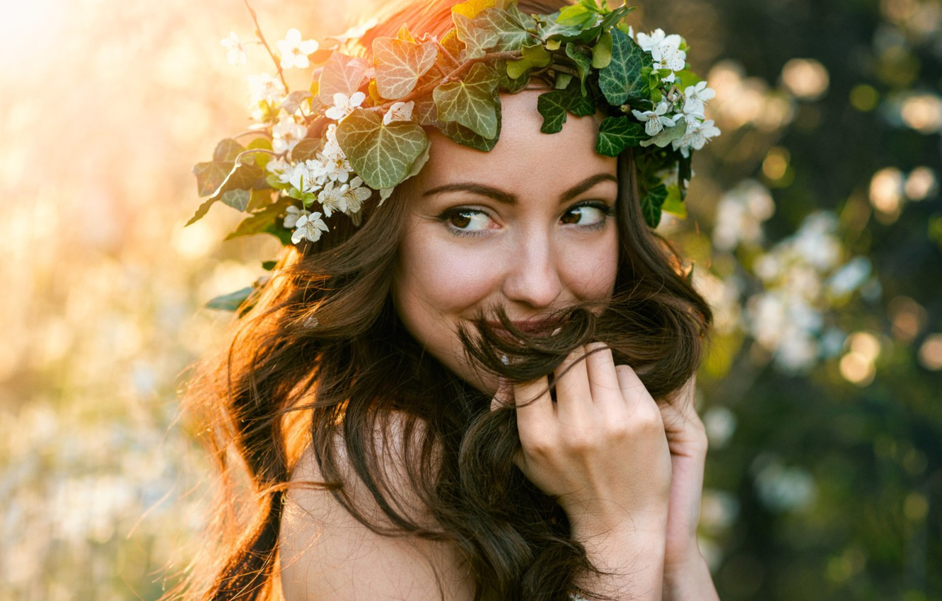 Photo wallpaper girl, laughter, brunette, wreath, playfulness