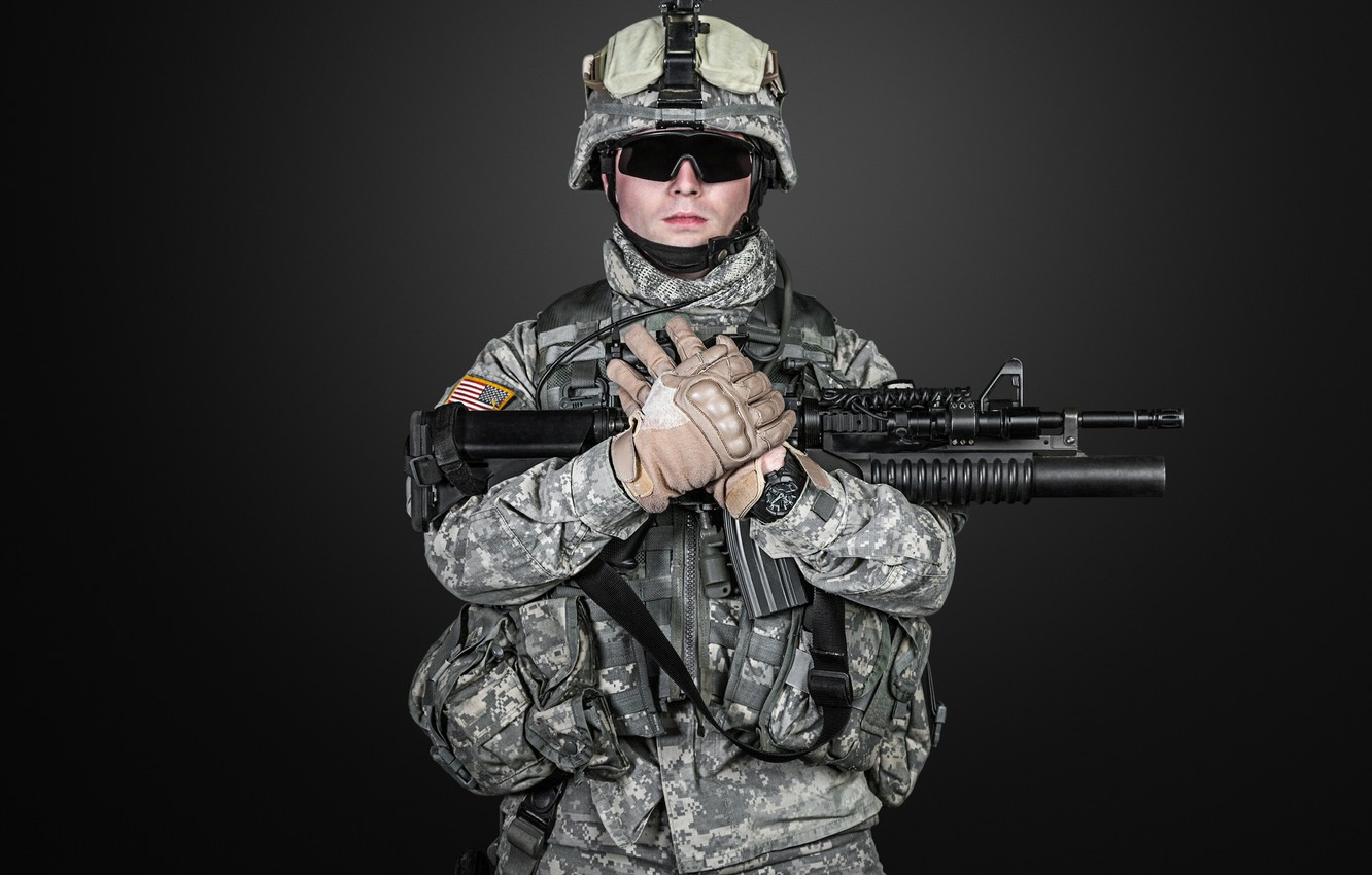Photo wallpaper pose, weapons, glasses, soldiers, machine, gloves, helmet, camouflage, black background, equipment, uniform, American