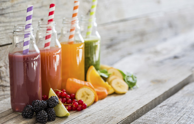 Photo wallpaper berries, Apple, orange, juice, tube, drink, banana, blur, currants, BlackBerry, bottle