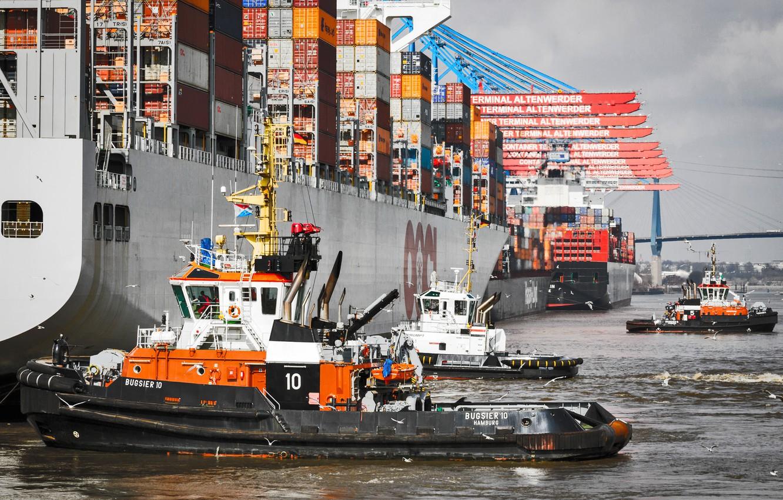 Photo wallpaper Port, The ship, Hamburg, A container ship, Tugs, Tug, Container ships, Board, osvetova, De-berthing, Mooring, …