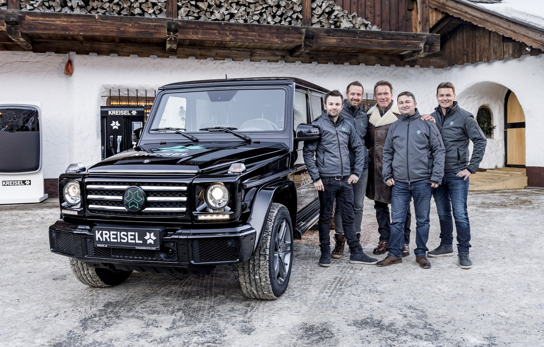 Photo wallpaper Mercedes-Benz, Mercedes, Arnold Schwarzenegger, g, G-Class, Arnold Schwarzenegger, W463