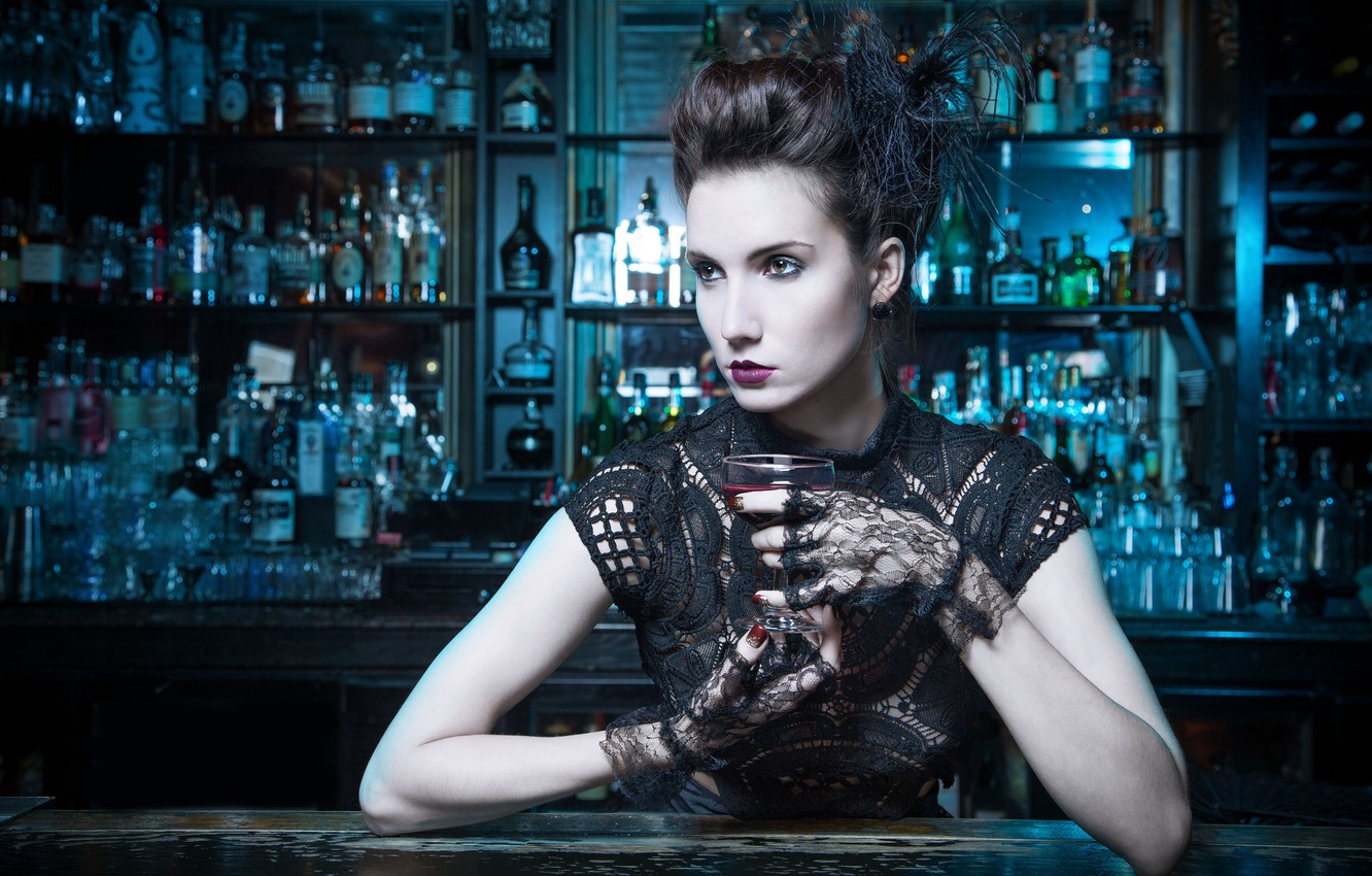 Photo wallpaper style, model, glass, bar, makeup, hairstyle, mitts, Melanie Kazmercyk