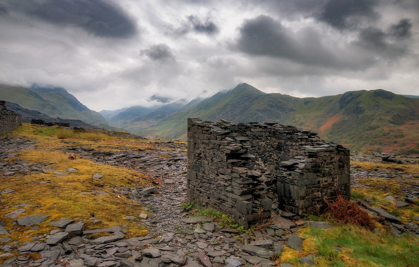 Photo wallpaper clouds, mountains, ruins, Wales, quarry Dinorwic