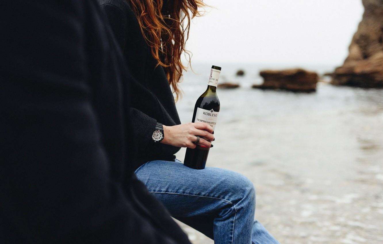 Photo wallpaper girl, wine, bottle, curls